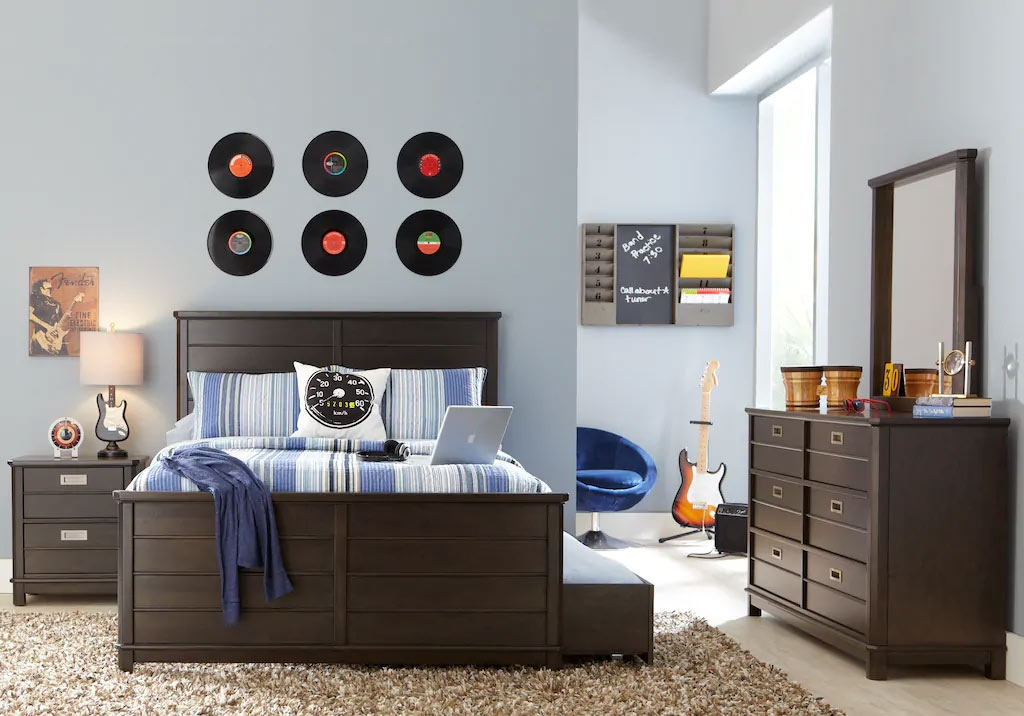 Teen Boy Bedroom Ideas: Cool Decor & Designs for Teenage Guys on Teenage Room Colors For Guys  id=23156