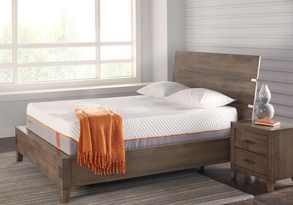 Crestwood Creek Queen Size Panel Bed