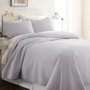 Belden Landing XXII Gray 3 Pc Queen Coverlet Set