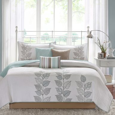 Caelie White 6 Pc Queen Coverlet Set