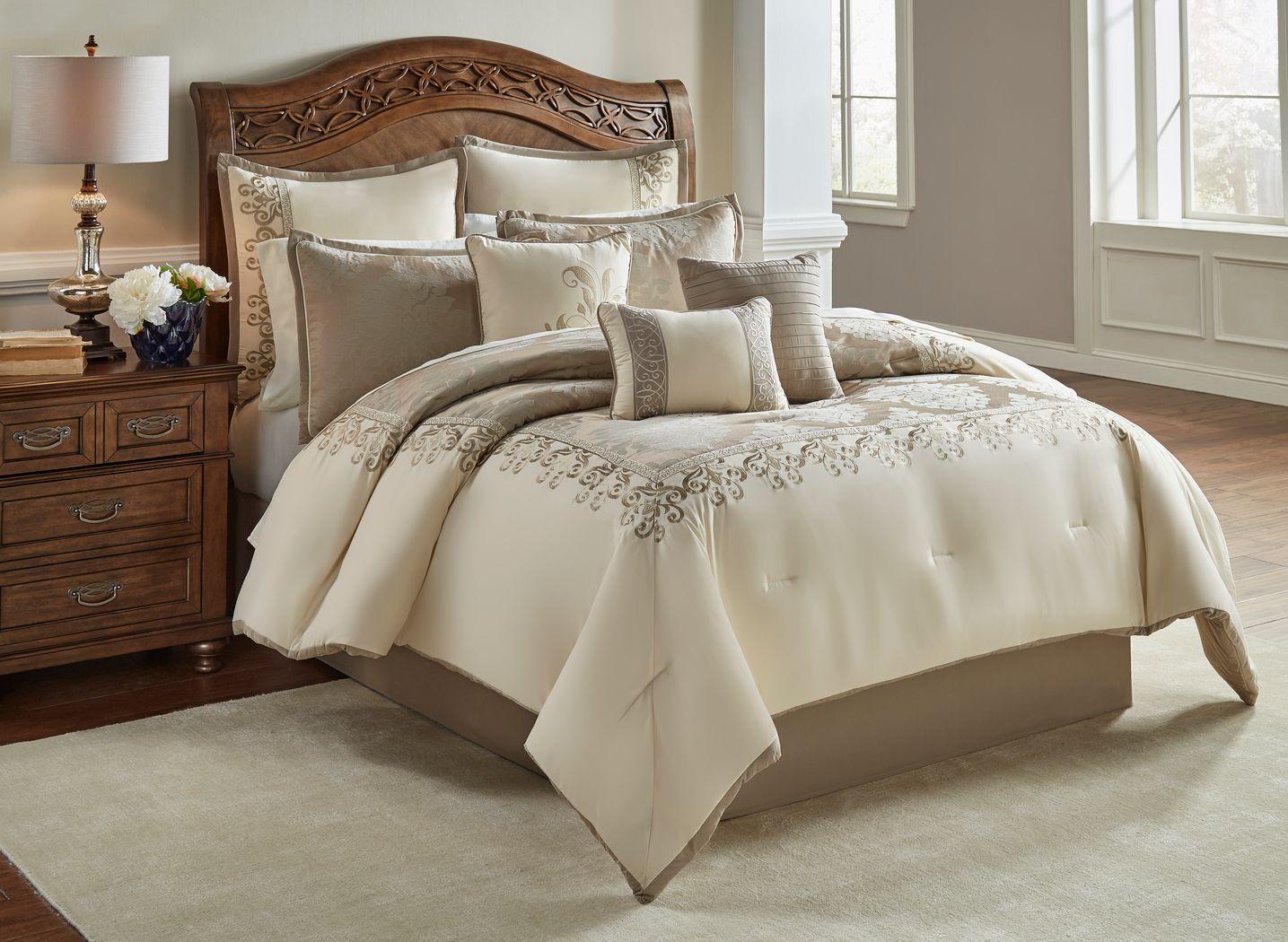 Edris Ivory 10 Pc King Comforter Set