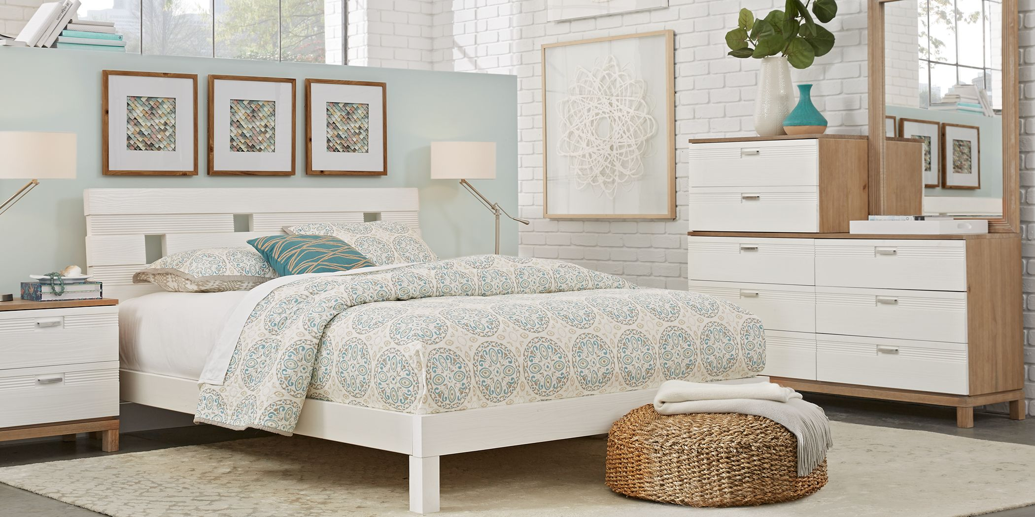 Gardenia White 7 Pc Queen Platform Bedroom