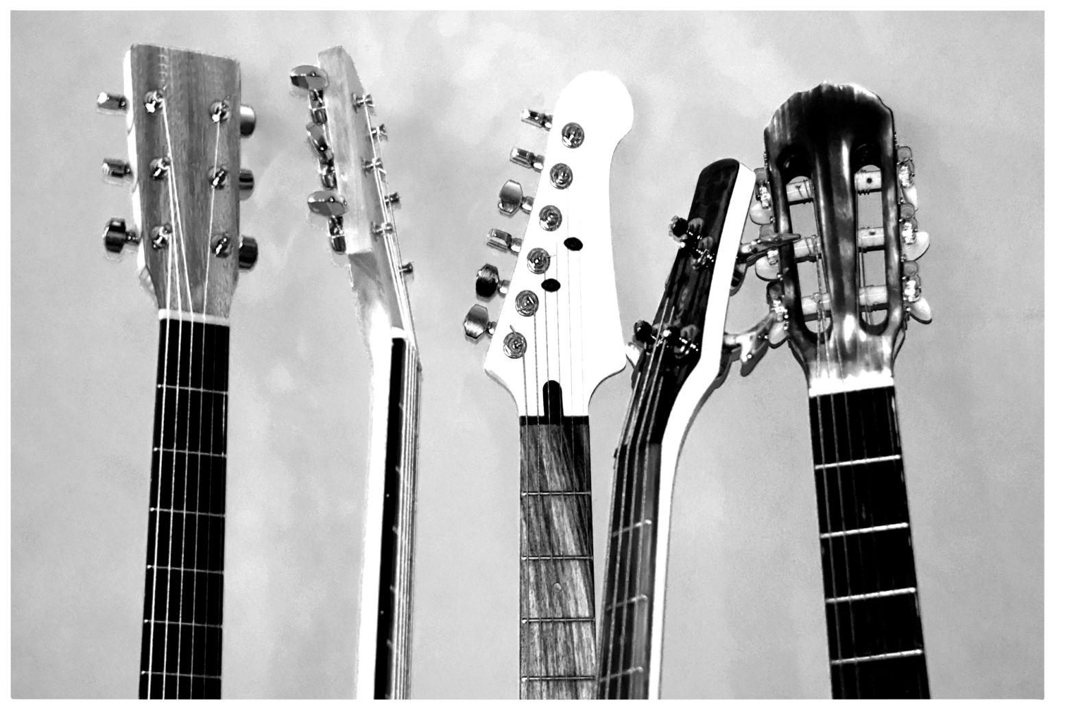 Kids Guitar Concert Gray Artwork