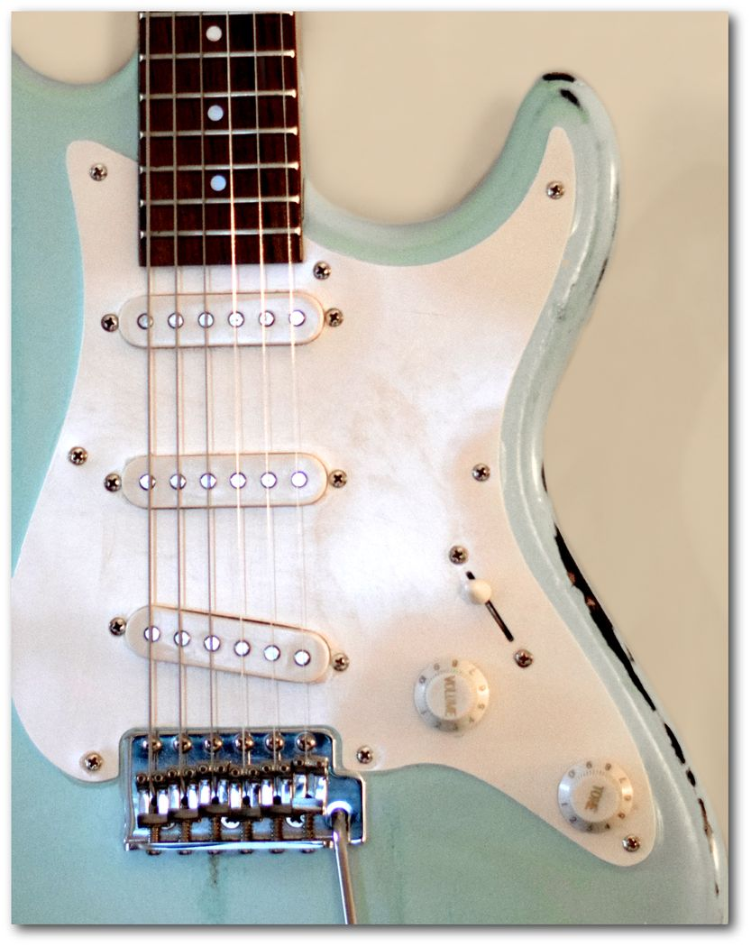 Kids Guitar Cords Cream Artwork